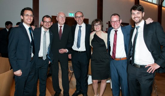 Gerhard Schuler con el equipo de SCHULER en España.