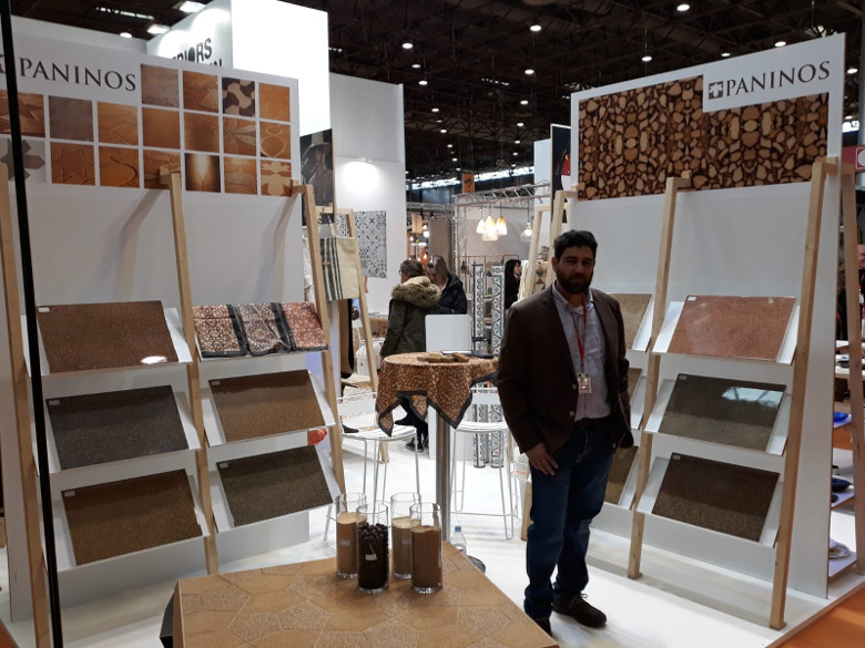 PANINOS presenta en París el nuevo producto realizado con huesos de aceituna y consigue la aceptación de fabricantes y decoradores internacionales.